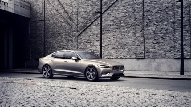 全新第三代 Volvo S60 正式發表,只有汽油與油電混合動力選項 230755-new-volvo-s60-inscription-exterior-1