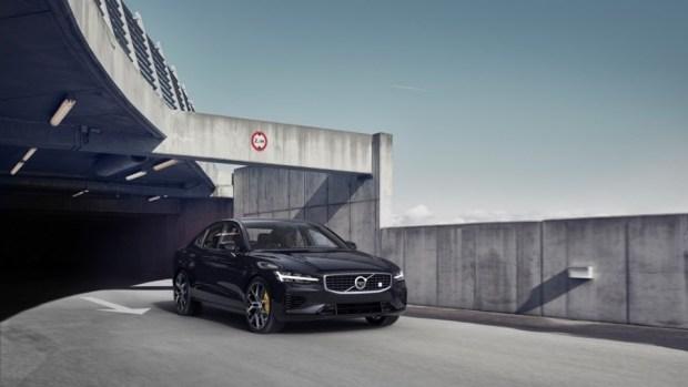 全新第三代 Volvo S60 正式發表,只有汽油與油電混合動力選項 230816-new-volvo-s60-polestar-engineered-exterior-1
