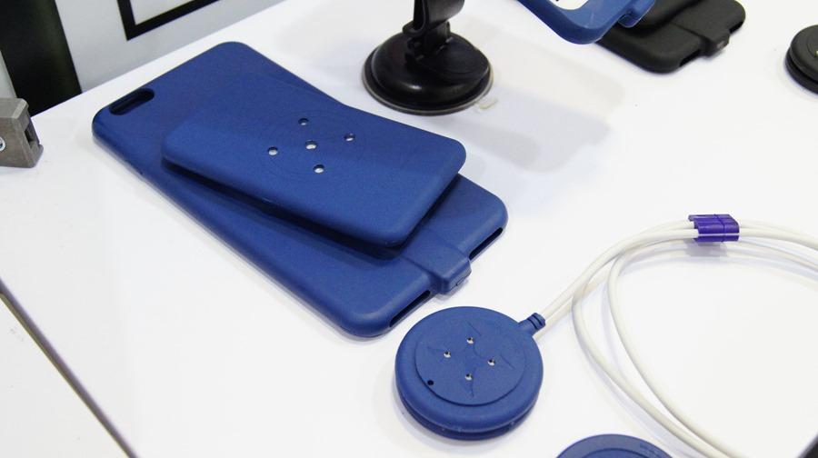 是手機保護殼,也是充電裝置,磁吸式手機充電保護殼 DSC0007