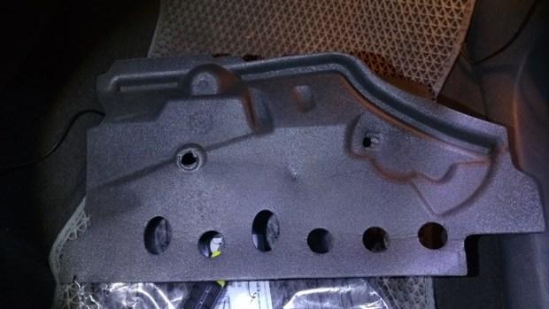 [教學] 開車的你,多久沒關心車子的冷氣濾網了? IMAG0364