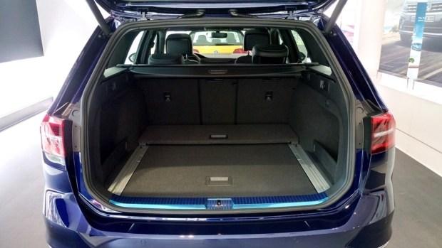 熱血爸爸別亂試,試了就回不去了,VW Passat Variant 380 TSI R-Line Performace IMAG1124