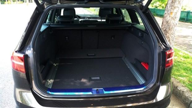 熱血爸爸別亂試,試了就回不去了,VW Passat Variant 380 TSI R-Line Performace IMAG1166