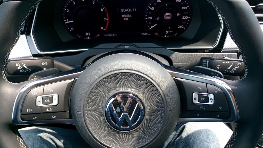 熱血爸爸別亂試,試了就回不去了,VW Passat Variant 380 TSI R-Line Performace IMAG1181