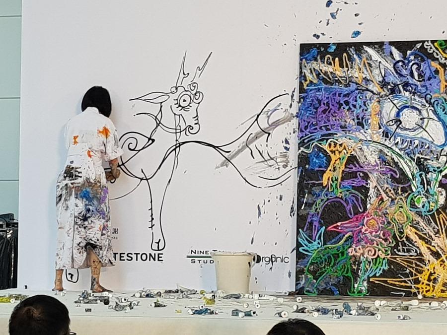 HTC 跨界攜手日本藝術家小松美羽創造 VR 新境界 20180822_121351