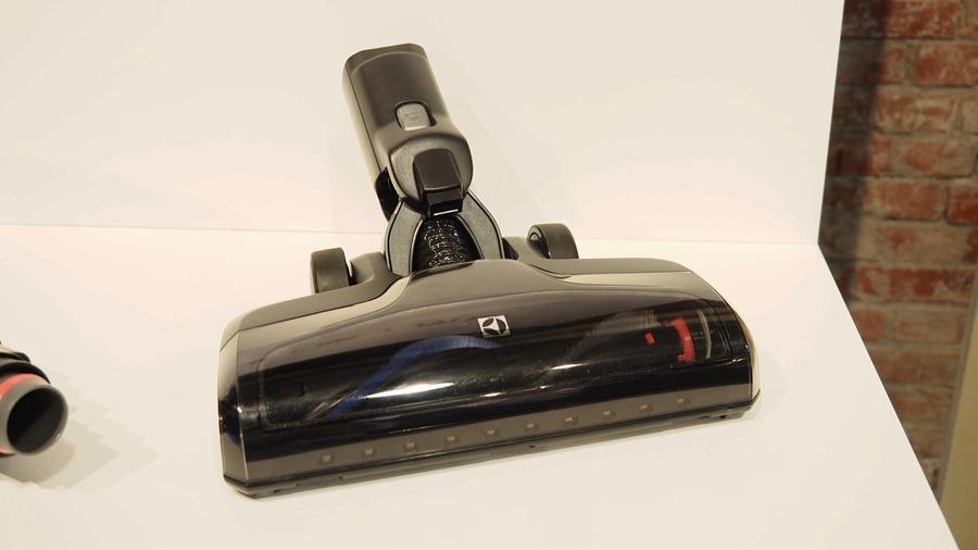 伊萊克斯 PURE F9 百變滑移吸塵器,讓打掃更為輕鬆寫意 8235032_1