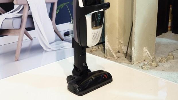 伊萊克斯 PURE F9 百變滑移吸塵器,讓打掃更為輕鬆寫意 8235045