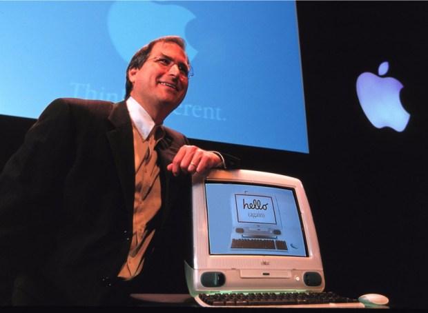 復刻 iMac G3!Spigen iPhone 手機殼重現賈伯斯設計魂 apple-imac-steve-jobs-1998-1