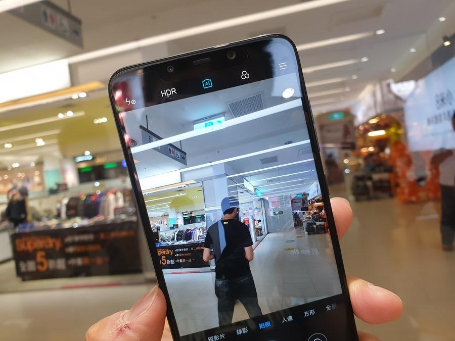 11,000 元就可以買到旗艦手機,POCOPHONE F1 用不到一半的預算輕鬆入手! 20180914_143101