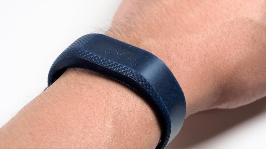 【限時團購】Garmin vivosport GPS、vivosmart 3 健康手環,讓你冬天不增肥 A315656