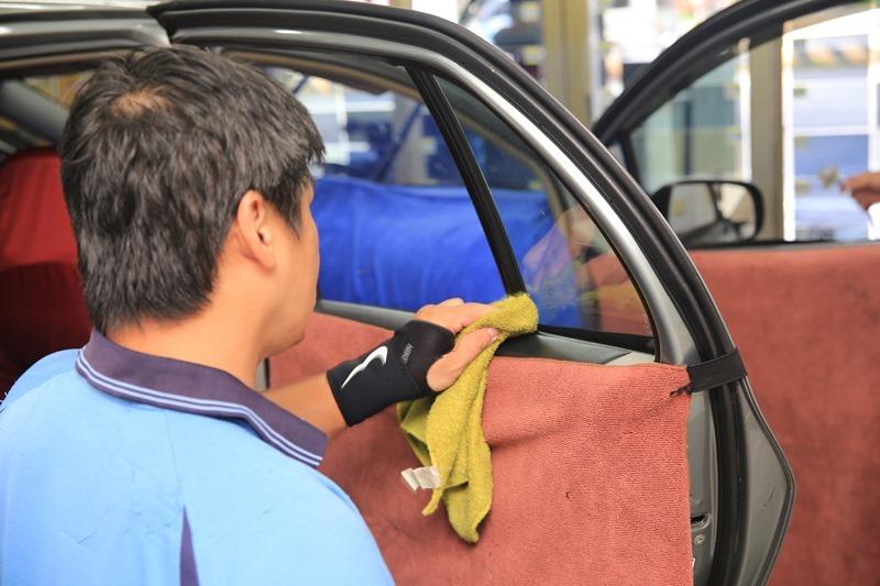 JEC 汽車隔熱紙推薦(JC30/JC20),隔熱遮光效果超明顯,非金屬膜不擔心影響干擾訊號 IMG_8595