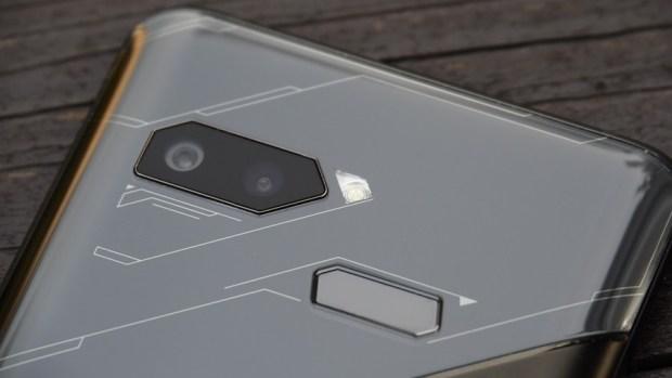 ROG Phone 開箱、評測:2018 年度最有梗、為「贏」而生的電競手機 9305370