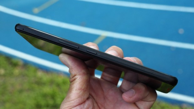ROG Phone 開箱、評測:2018 年度最有梗、為「贏」而生的電競手機 9305377