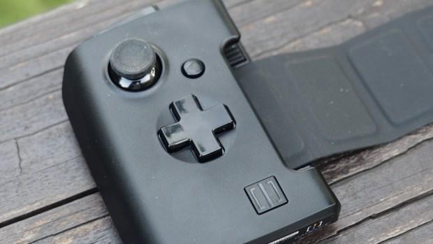 ROG Phone 周邊:GameVice 遊戲控制器+WiGig 無線投影基座,實現你在大螢幕打電動的夢想! 9305396