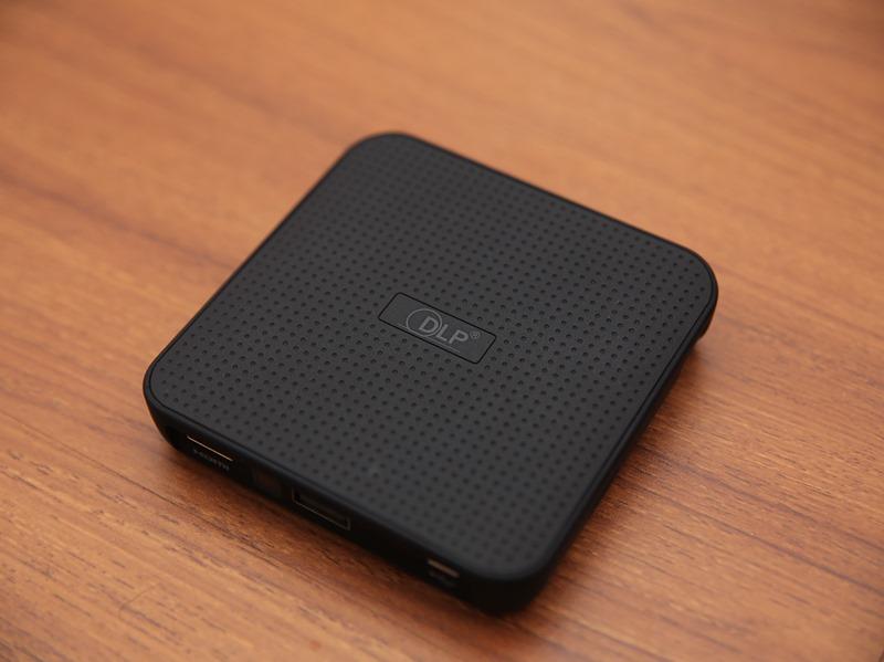 QHL酷奇口袋輕巧無線投影機,手掌大小免插電就能無線投出百吋畫面(支援蘋果/安卓) IMG_9069