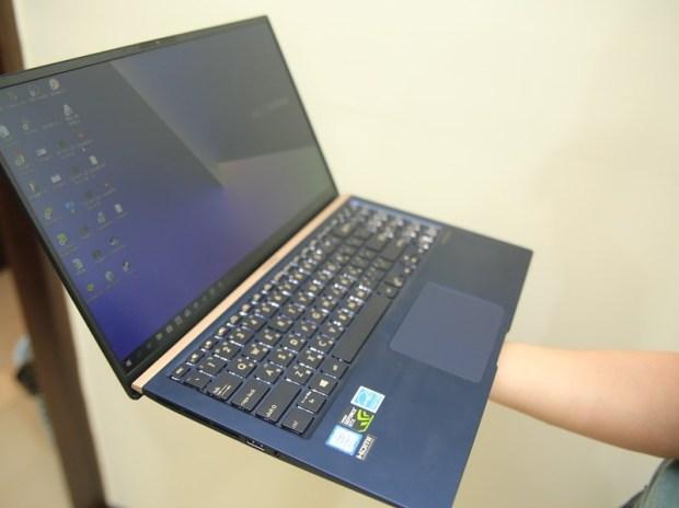 美‧力無邊ASUS ZenBook 15 UX533FD 開箱,全球最小15.6 吋筆電,電池續航力長達 16 小時! IMG_9218
