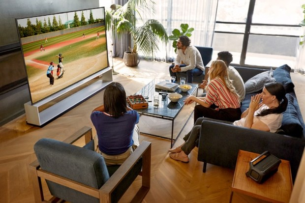 CES 2020:LG 推出多款 OLED 電視機型,亮相 8K/4K NanoCell LCD 奈米電視 LG-SIGNATURE-OLED-8K-ZX_Sports