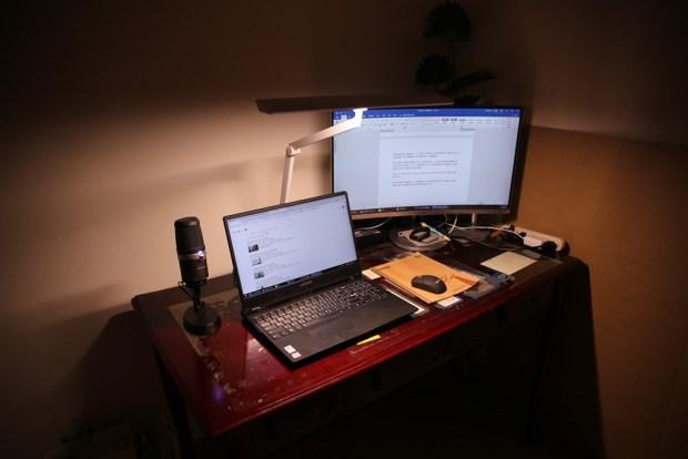 「Artso 亞梭傢俬LED雙臂優閱燈」好開箱,不佔空間、大範圍照射、可調色溫、桌面百搭設計! IMG_0189