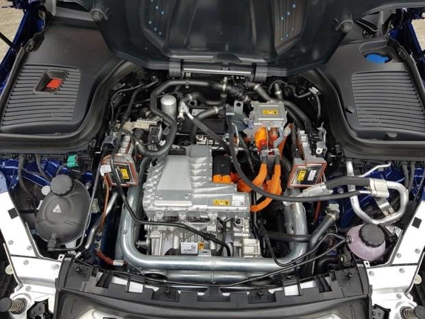 [試駕] 讓人合不攏嘴的賓士首款電動車 Mercedes-Benz EQC 400 4MATIC 運動版 20200502_133626