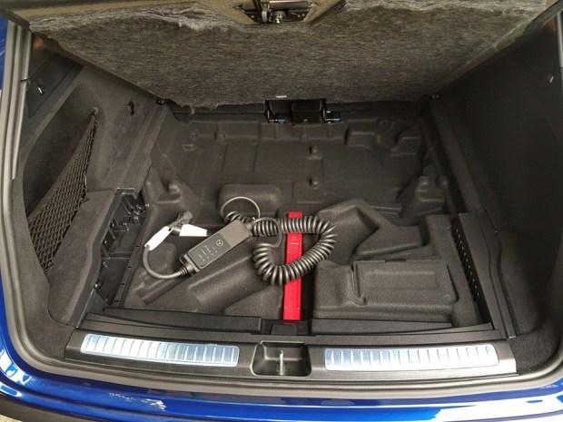 [試駕] 讓人合不攏嘴的賓士首款電動車 Mercedes-Benz EQC 400 4MATIC 運動版 20200502_135054