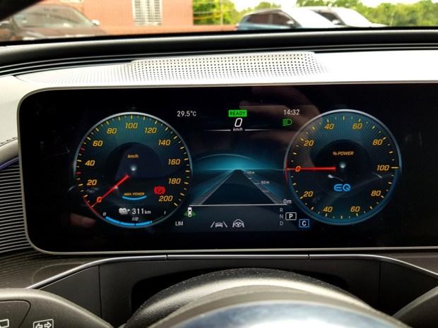 [試駕] 讓人合不攏嘴的賓士首款電動車 Mercedes-Benz EQC 400 4MATIC 運動版 20200502_143249