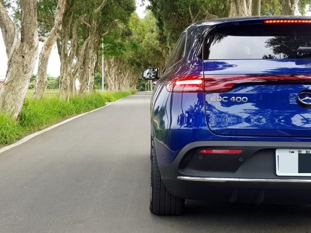 [試駕] 讓人合不攏嘴的賓士首款電動車 Mercedes-Benz EQC 400 4MATIC 運動版 20200502_153208_1