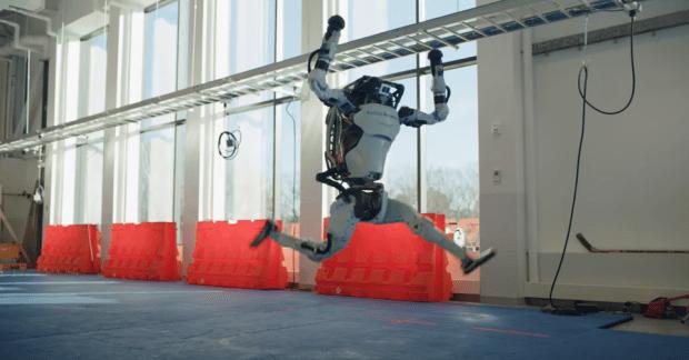 機器人跳舞比人厲害,波士頓動力新影片機器人複雜動作超吸睛 image-5