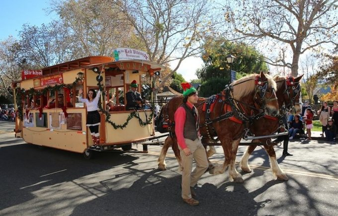 266-solvang-trolley-parade-900px_900_576auto_c1