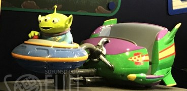 Alien-Swirling-Saucer-Toy-Story-Land