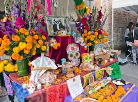 2016-Day-of-the-Dead-Rocky-Behr-altar