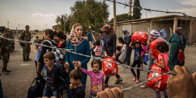 Amid a Maze of Alliances, Syrian Kurds Find a Thorny Refuge at the Border