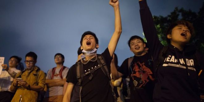 Hong Kong leader ready to talk with protesters
