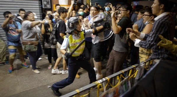 Protesters, police clash again in Hong Kong's Mong Kok neighborhood