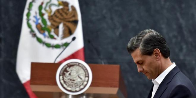 Mexico president, missing students' relatives at odds after meeting