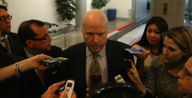 McCain stands by Petraeus after guilty plea