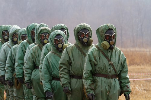 US military ordering troops in Iraq to dust off chemical weapon suits | Fox News