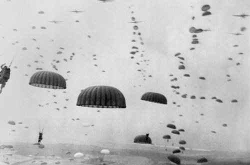 How the SAS parachuted into Occupied France to wage war against the Nazis | Daily Mail Online