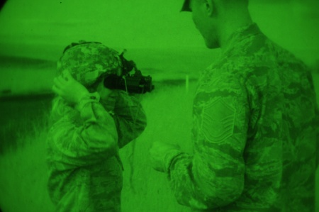 Night-Vision System for Army Soldiers Demands Unusual Collaboration Between Industry Archrivals – National Defense