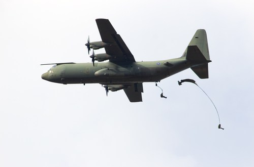 US Officials To Brief French on Possible C-130 Buy