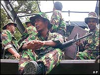 Indonesian forces regroup after failing to capture top militant