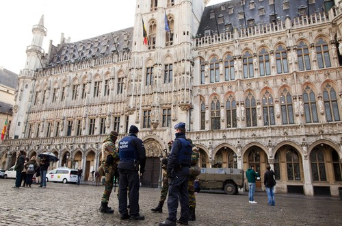 Belgium identifies three Paris attack plot safe houses | Reuters