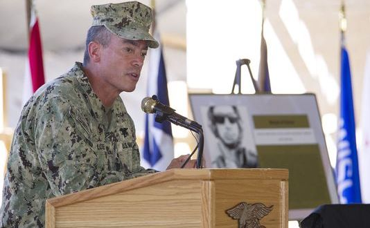 Former SOCOM boss blasts lawmakers who blocked top SEAL's promotion