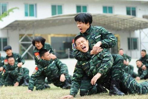 Female commandos prepare for action | Shanghai Daily