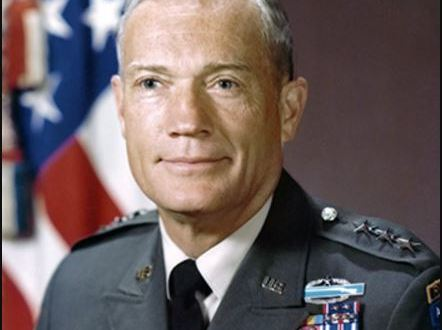 One of the Army's most decorated soldiers, former commander of 82nd Airborne and Fort Bragg, dies | fayobserver