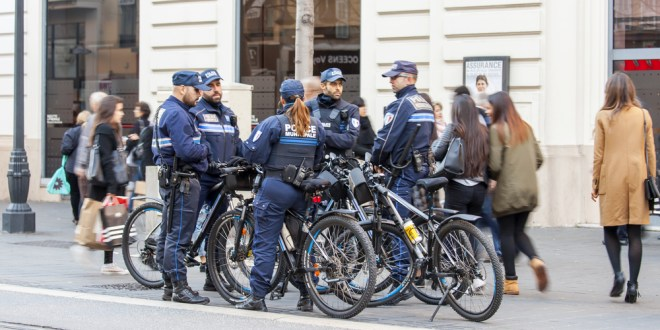 Elite French anti-terror police to follow Tour de France riders | The Local