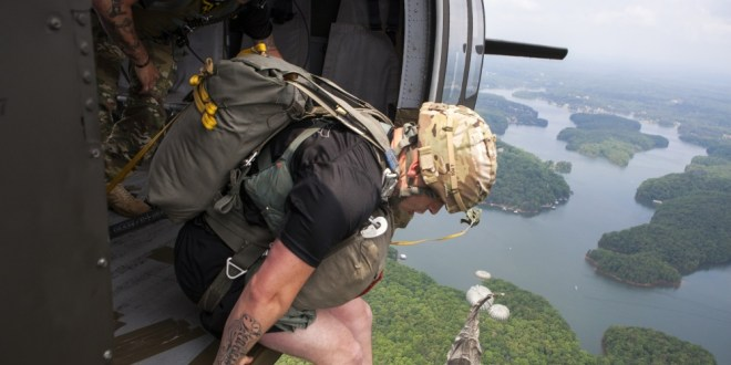 Fort Bragg soldiers use Ranger training to rescue paratrooper from tree | Army Times