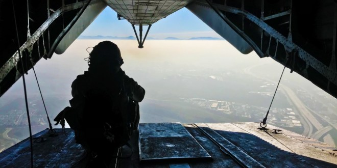 Polish special forces privatise parachute training | Jane's 360