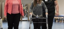 Technology and therapy help individuals with chronic spinal cord injuries take steps | Science Daily