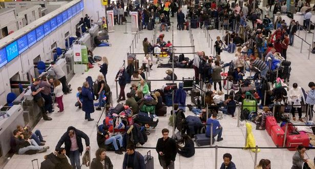 Gatwick airport latest: Army called in as drones cause Christmas travel chaos | Independent