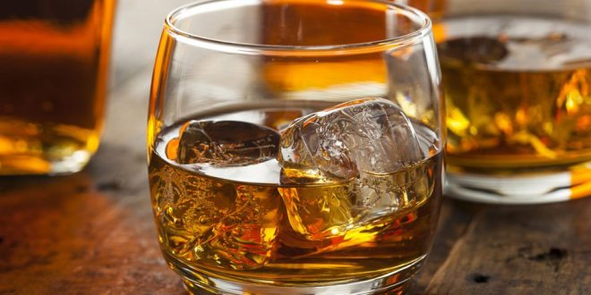 10 health benefits of drinking whiskey to the last drop.