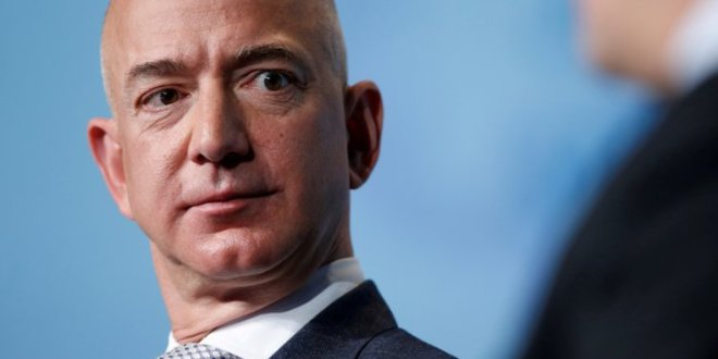 Amazon hired one of Trump's allies to lobby on its behalf as it looks to score a $10 billion contract with the Pentagon | Business Insider